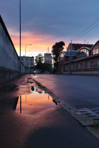 Vesilätäkkötaidetta Milanossa