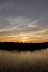 Auringonlasku laivalla