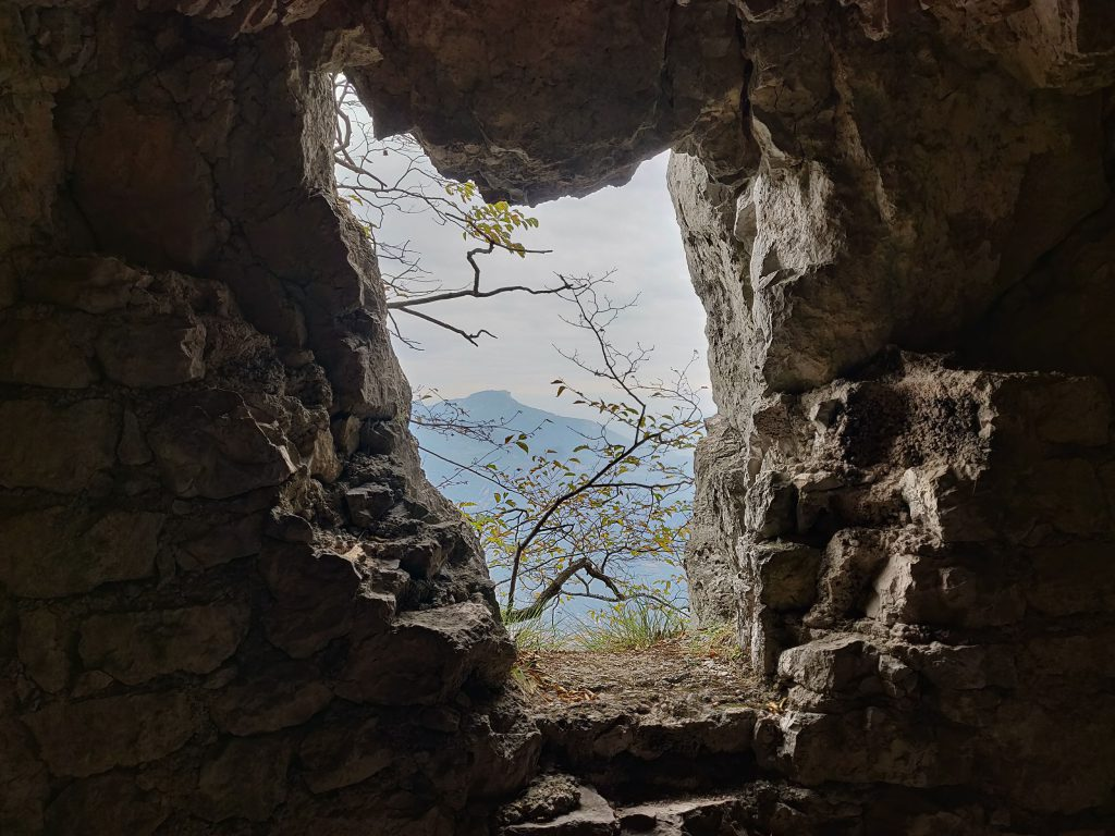 Cima Capilla oleva luola