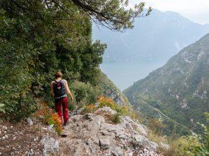 Garda-järvi näkyy reitillä monessa kohtaa