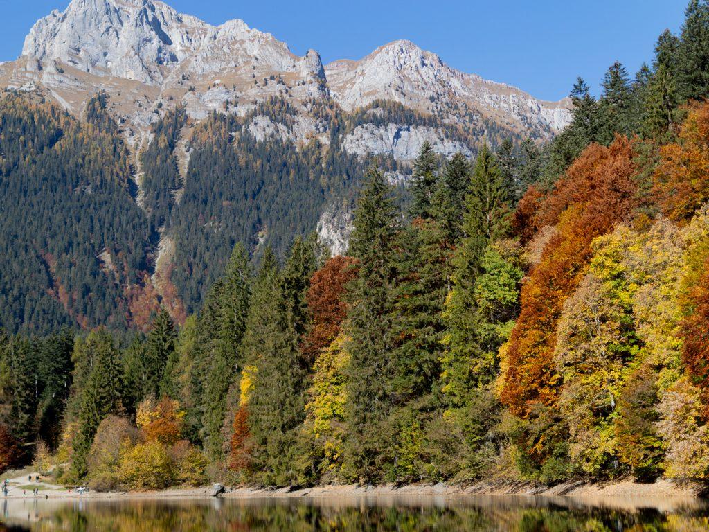 Lago di Tovel ja ruska