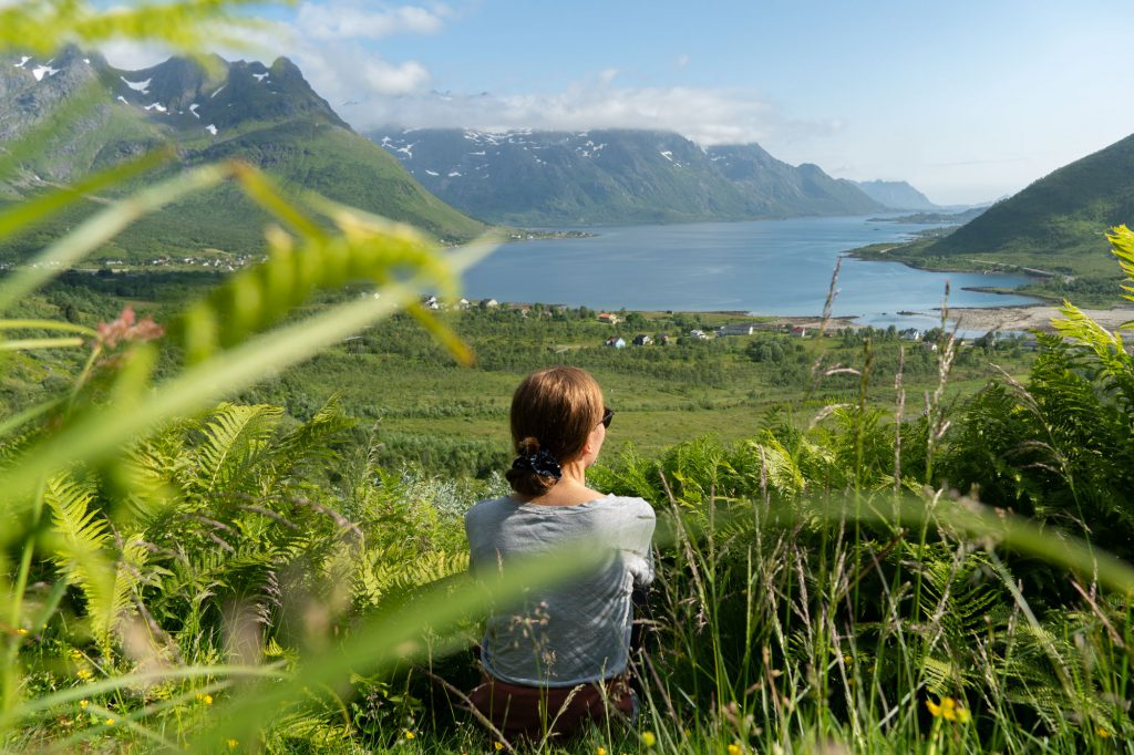 Lofoottien nähtävyyksiä: vehreys, vuoret ja vuonot
