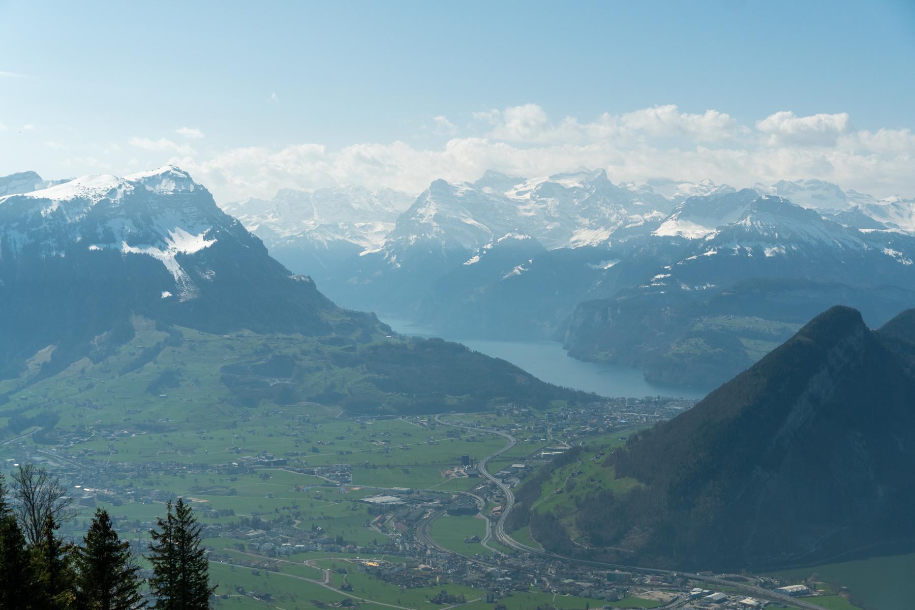 Vuorinäkymät Sattel-Hochstucklin vaellukselta