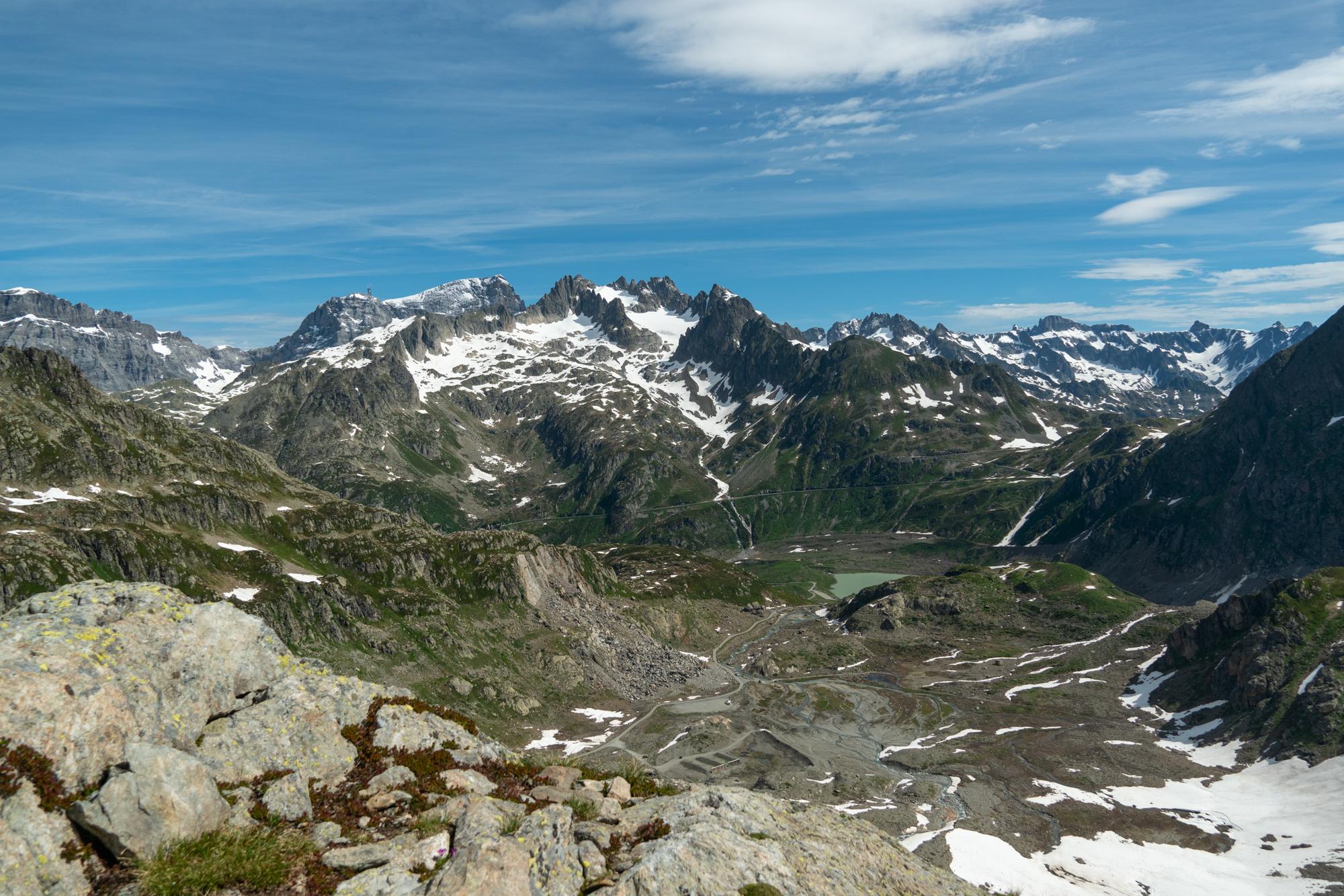 Vuoristonäkymiä Sveitsissä