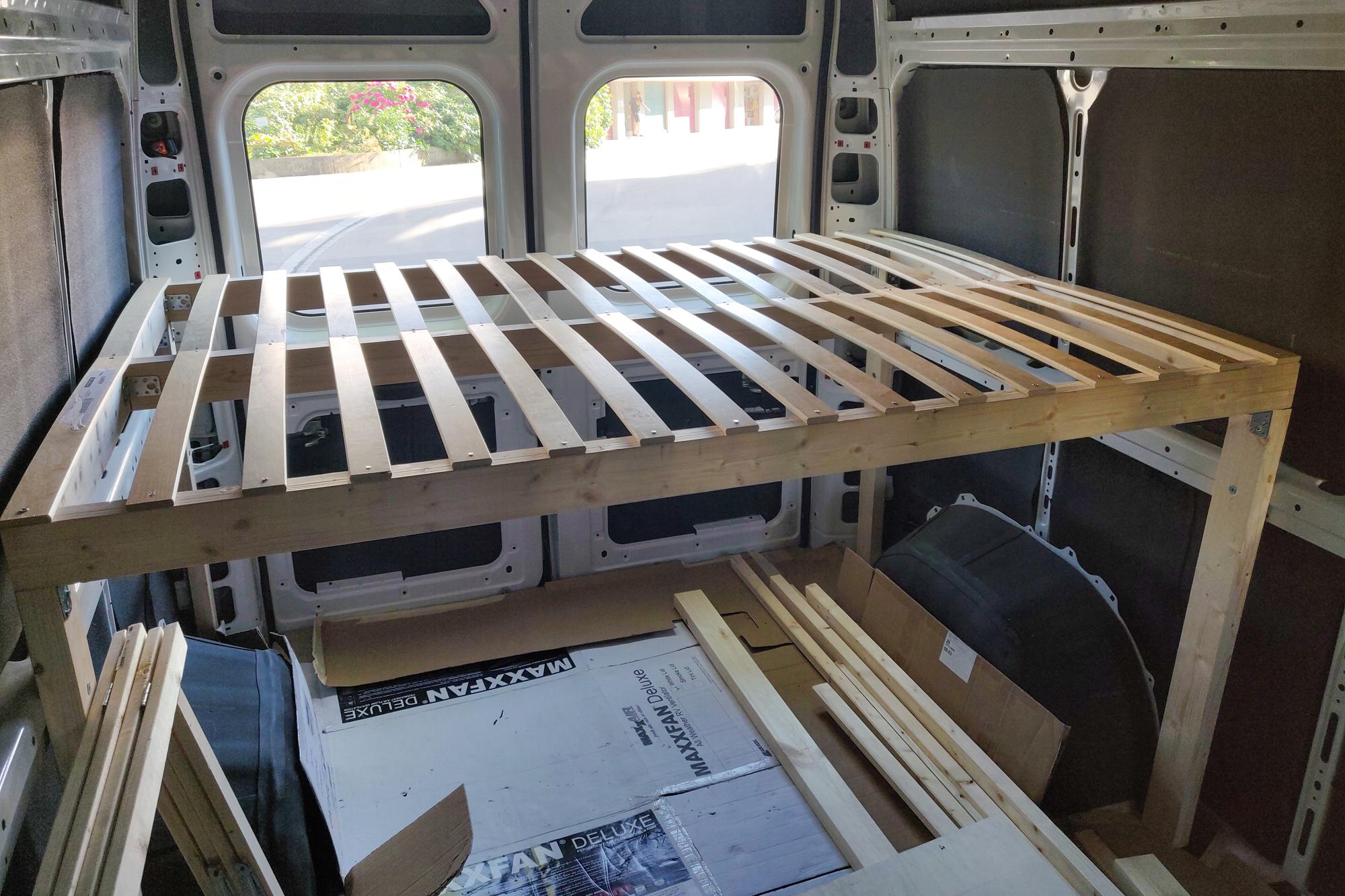 Reissupakun sängyn runko